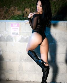 Asa Akira spectacular asian milf sucks cock and takes it in juicy pussy outdoors - sex pictures