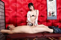 Audrey Noir japanese masseuse provides pleasure with mouth and juicy pussy