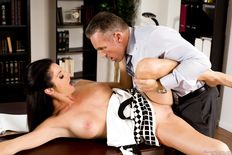 Silvia Saige loves to get her twat fucked - sex pics