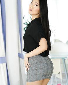 Hot asian babe Katana sucking big dick before a hard fuck