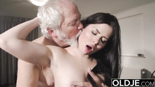 Nubile jaws humped xxx takes sausage deep-throat in aged youthfull cunny drill