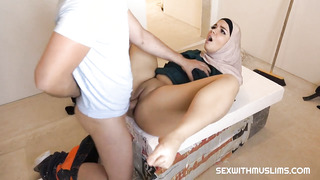 Buxom, Muslim hoe, Sophia Lee enjoys to get down on her knees and deepthroat beefstick