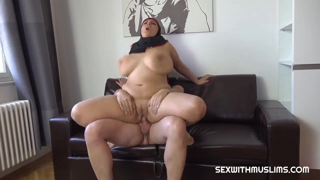 Arab Woman With Huge Boobs
