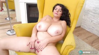 Lara is a brunette who likes to play with her pussy